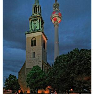 Mitte, Karl-Liebknecht-Straße, St. Marien und Fernsehturm