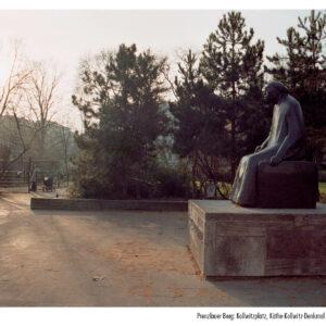 Prenzlauer Berg, Kollwitzplatz, Käthe-Kollwitz-Denkmal von Gustav  Seitz (1960)